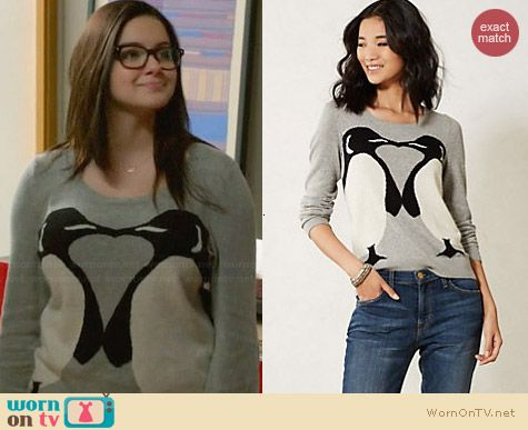 Alex S Kissing Penguin Sweater On Modern Family Tv Clothes Fashion Outfits Clothes