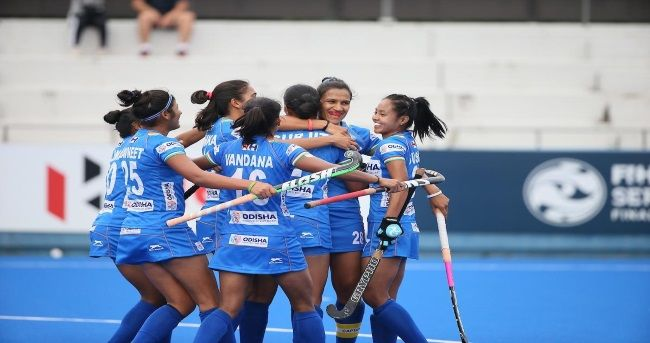 Victorious Indian Women S Hockey Team Back In Delhi Women S Hockey Hockey Teams Hockey News