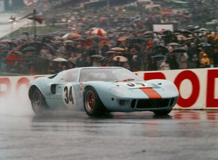 1966 Le Mans Gt 40 Crossing The Finish Line Ford Gt40 Le Mans Ford Racing