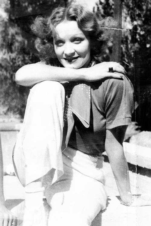 Marlene Dietrich in Palm Springs, 1934.