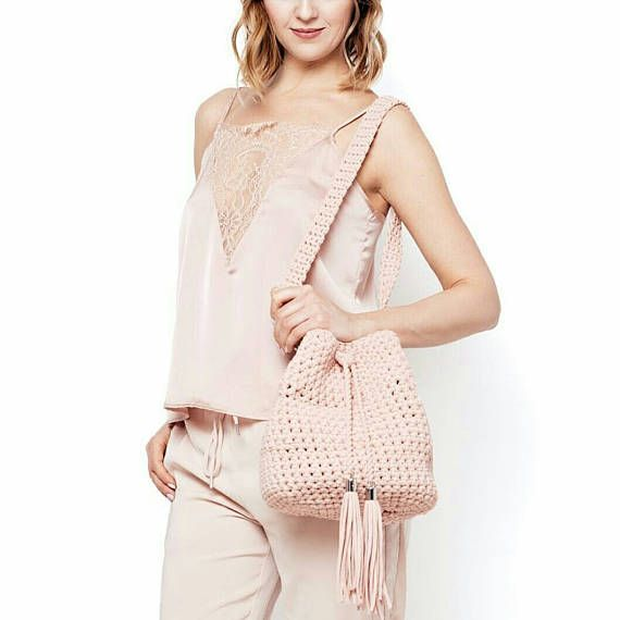 Crochet bucket purse | Pink rose bucket bag | Crochet crossbody bag ...