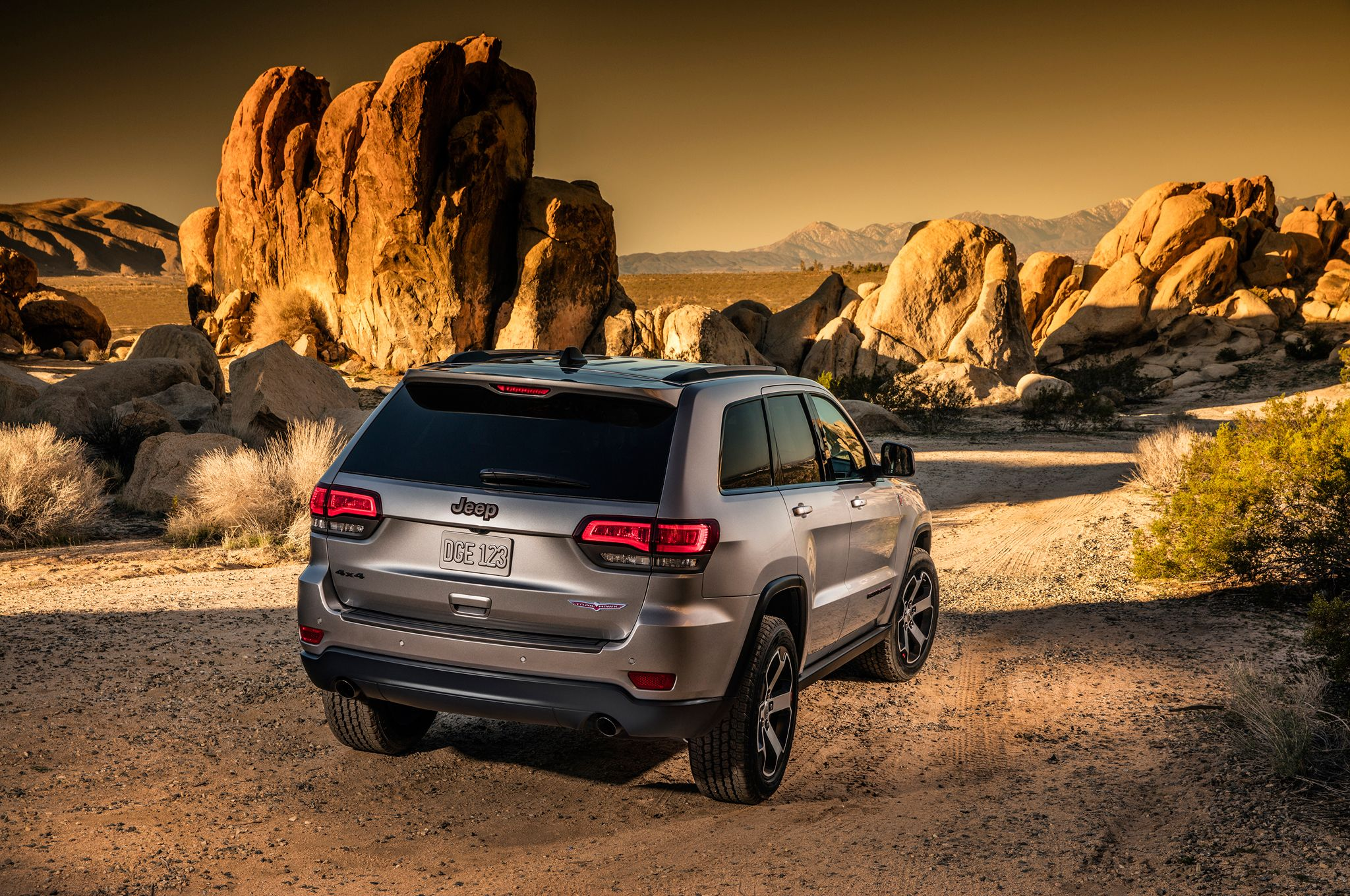 Jeep grand cherokee trailhawk need for speed pinterest jeep grand cherokee cherokee and grand cherokee trailhawk