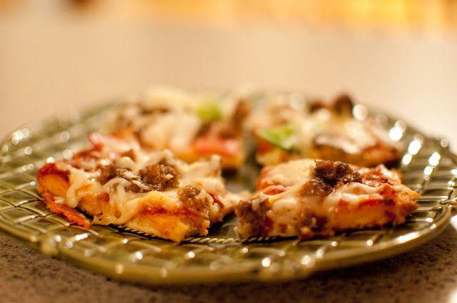 almond flour paleo pizza.