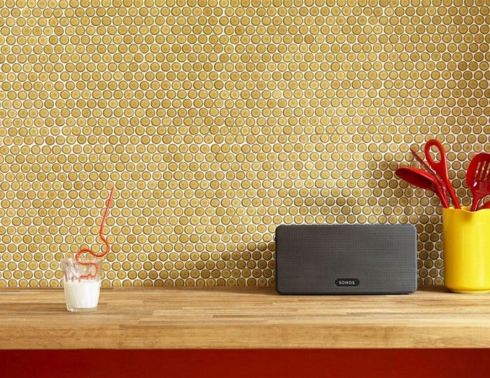 The Sonos PLAY: 3 is the versatile, all-in-one player with big sound in a compact size