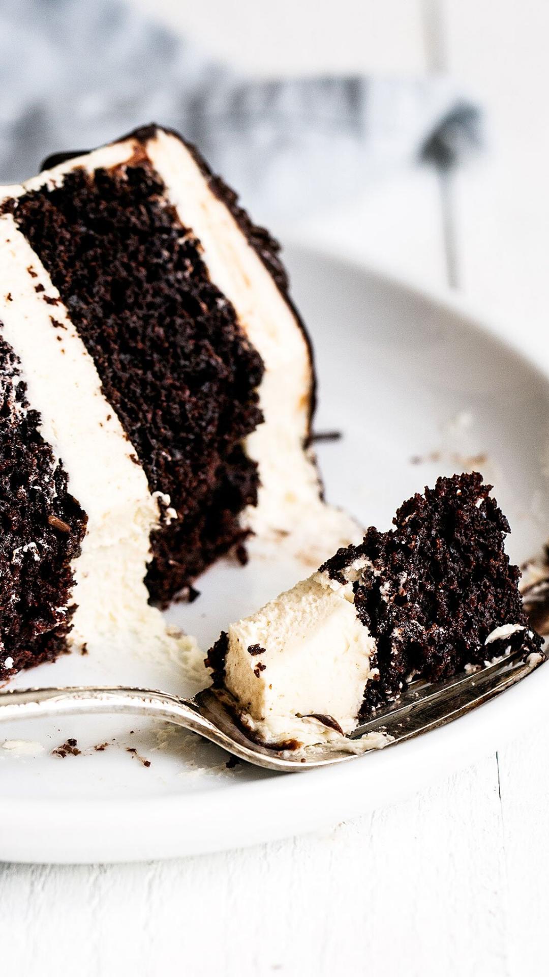 Guinness Chocolate Cake with Irish Buttercream in 2020 ...