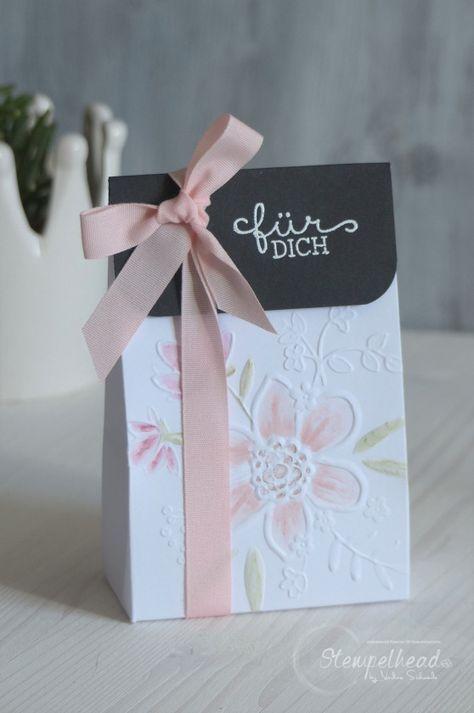 Embalaje de regalo con el molde de estampado profundo Wunderblume de Stampin 'Up!