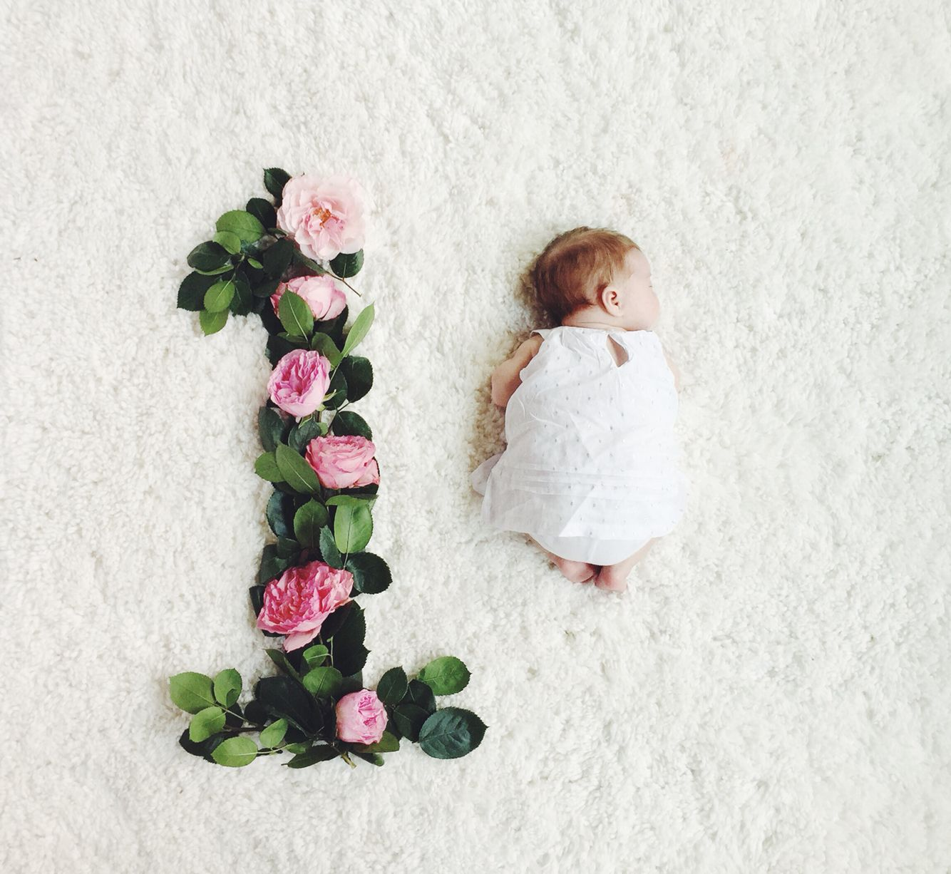 Here Is Our Take On Monthly Baby Photos With Flowers Baby Lilly
