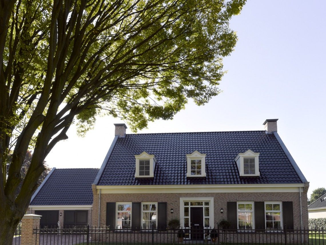 Groothuisbouw notariswoning wierden hoog □ exclusieve woon en