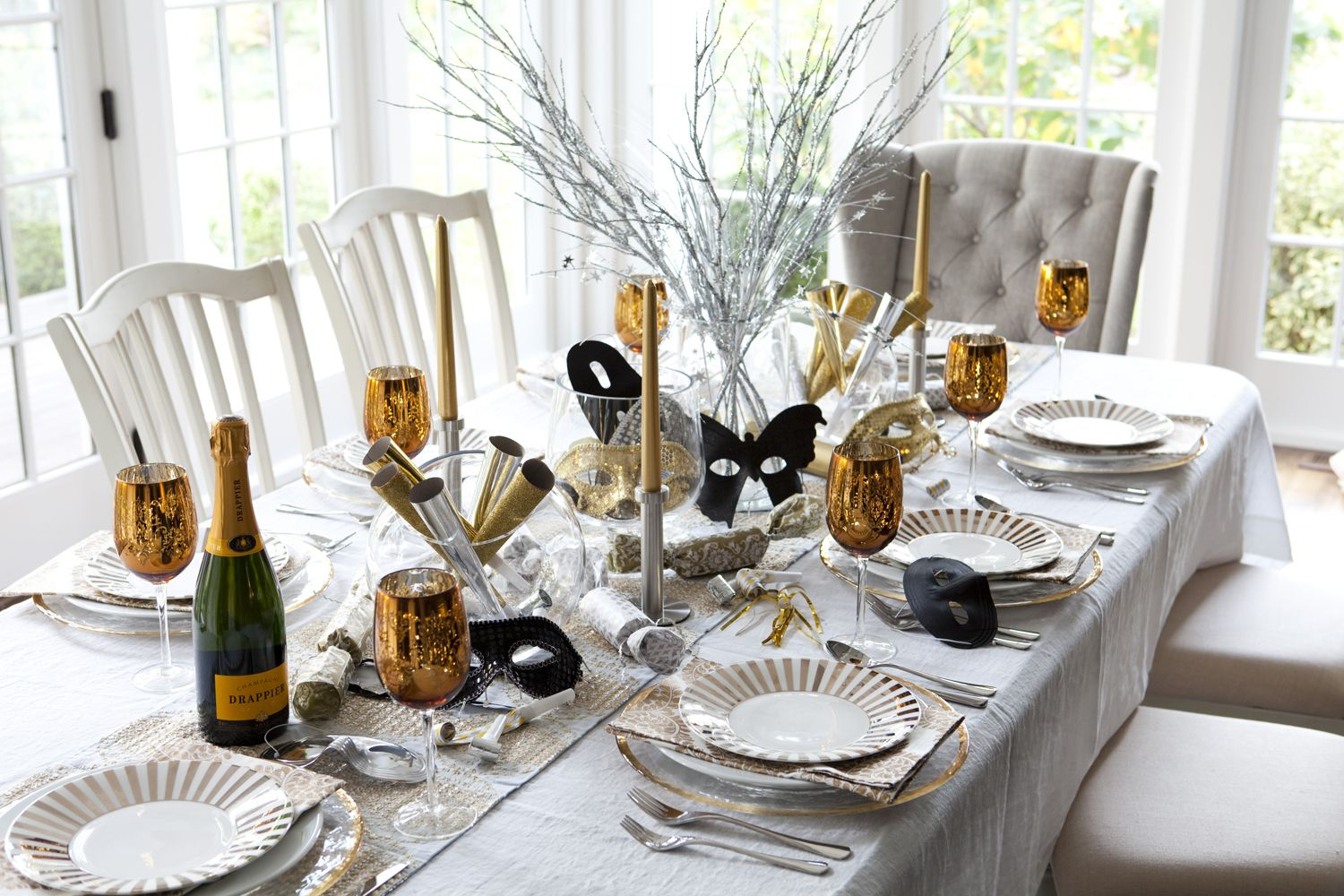 New Years Eve Party Decor | Table settings, Mardi gras and Mexican ...