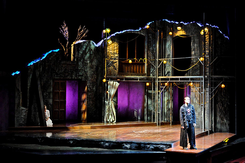Hamlet utah shakespeare scenic design by jo winiarski lighting