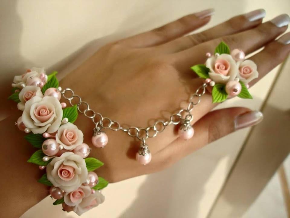 Hand made jewelry bracelet with ring hand made flowers . #HandMadeJewelry #RingWithBracelet #FloralRingAndBracelet