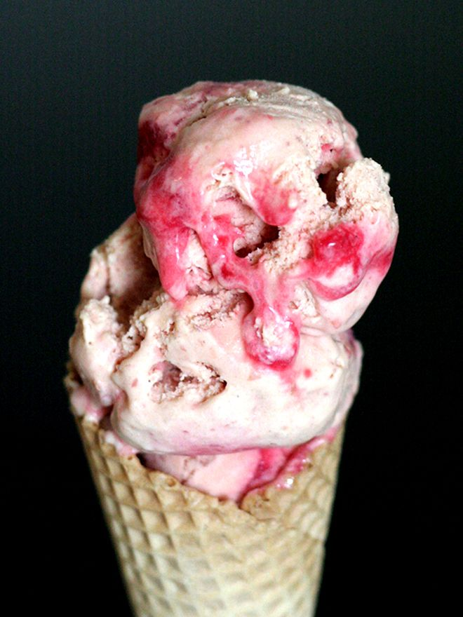 ROASTED PEACH AND RASPBERRY RIPPLE ICE CREAM