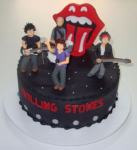 #Music #Cupcakes #nationaldessertday Rolling Stones By