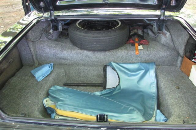 Seller of Classic Cars – 1964 Chevrolet Impala (Daytona Blue/Blue)