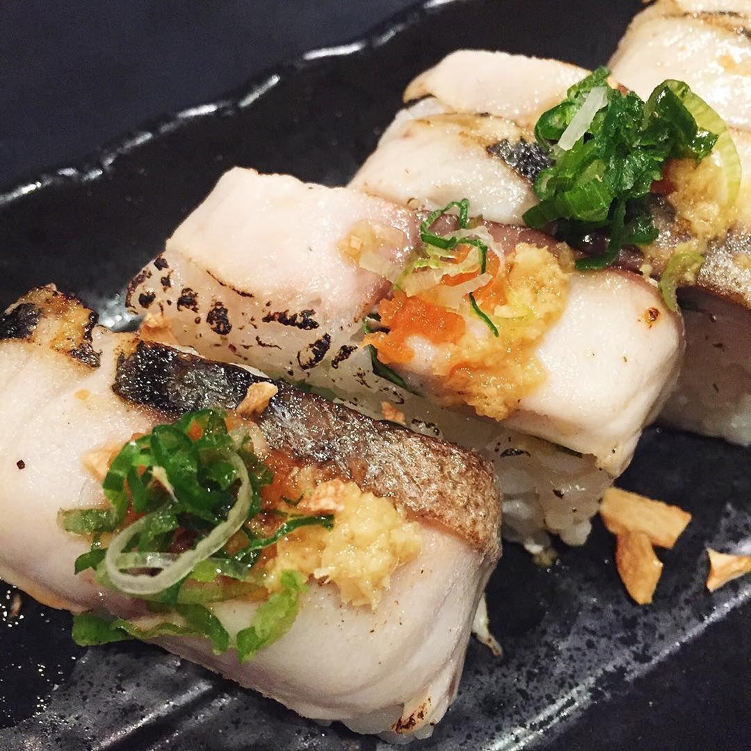 #ajisai #japanese #sushi #saba #pressedsusi #aburi #foodstagram #kerrisdale #vancouver #vanfoodie #밴쿠버 #스시 #사바 #아부리 #먹스타그램 #맛스타그램 #일식 #고등어 #あぶり#サバ #寿司#バンクーバー  by lizzychun