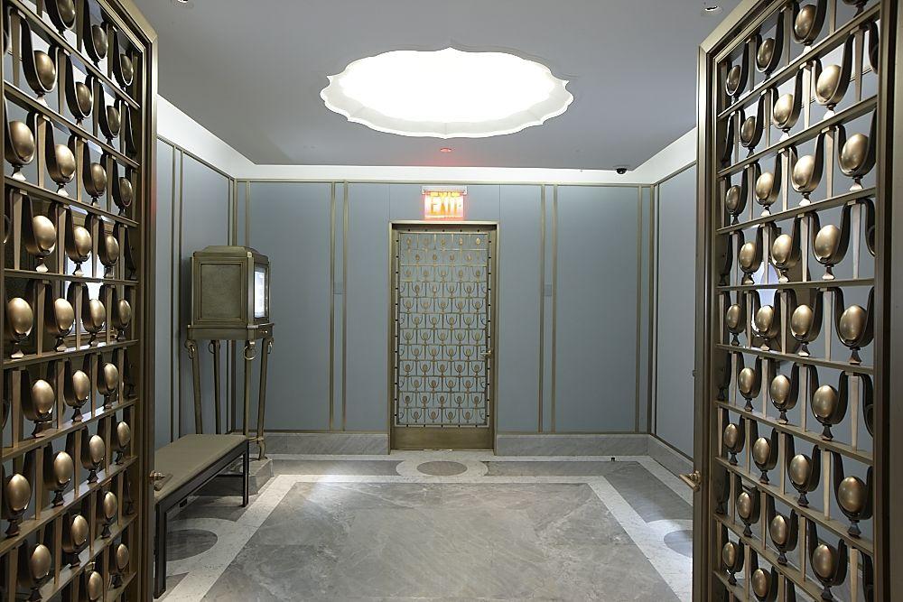 Tiffany private jewel salon nyc hospitality door for Design hotel jewel