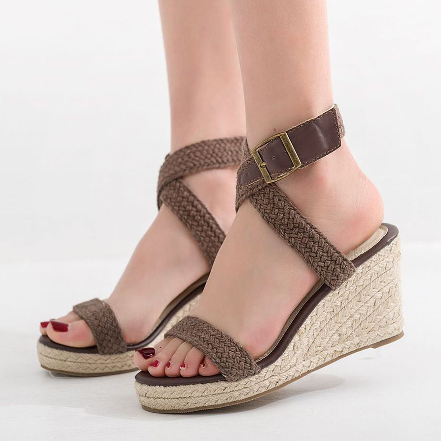 cfc90984535 2019 的 Plain Peep Toe Date Wedge Sandals 主题 | New In