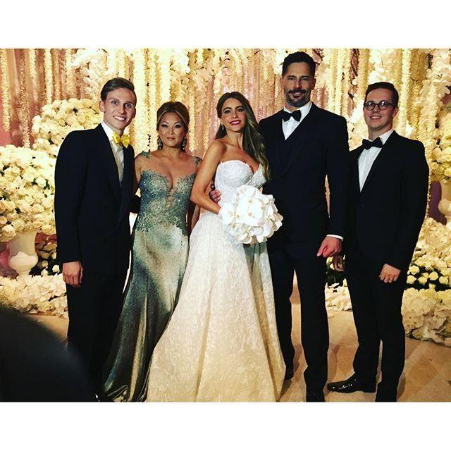 See Sofia Vergara And Joe Manganiello S Stunning Wedding Pictures Sofia Vergara Wedding Celebrity Bride Wedding Pictures