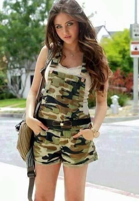 Stylish girl fb dp in army dress 2015 Brunette Woman, Brunette Beauty,  Facebook Dp