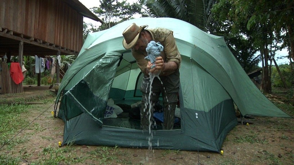Pitching a double walled tent in the rain & Pitching a double walled tent in the rain | Backpacking ...