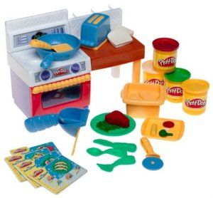 Amazon Com Play Doh Meal Makin Kitchen Toys Games Creating Fun
