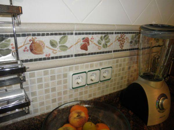 Cenefas para cocinas clasicas foto imagen cocinas mis - Cenefas autoadhesivas cocina ...