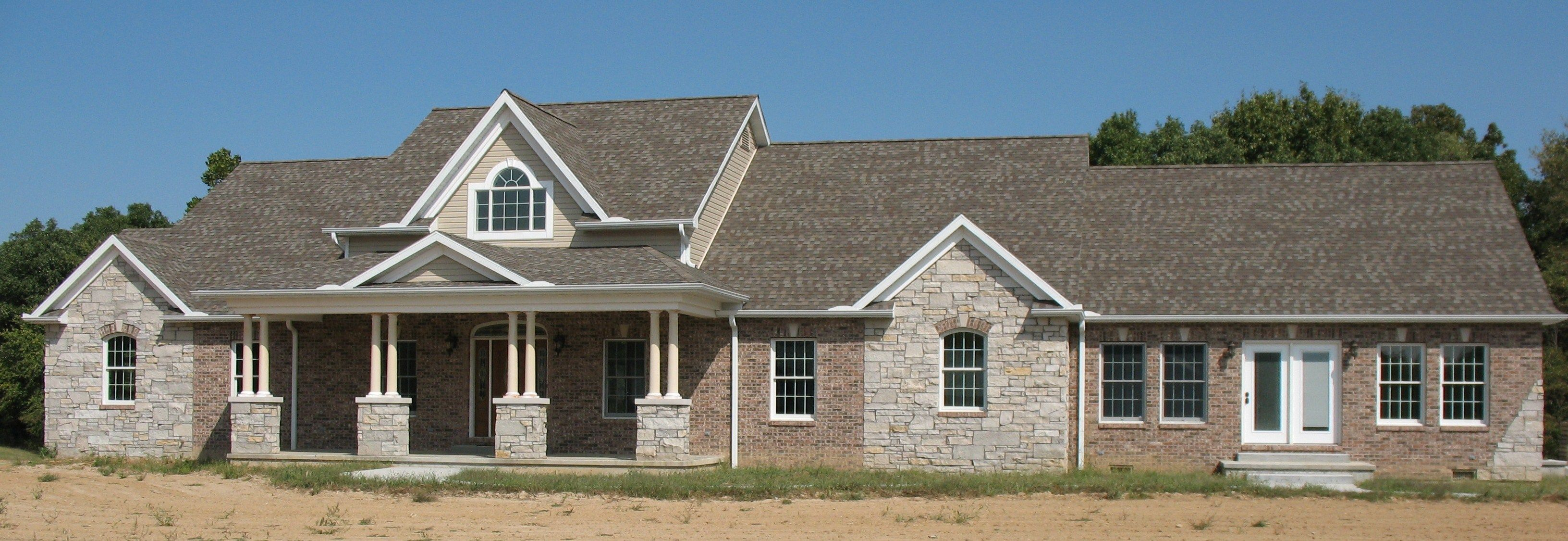 Brick and stone veneer exterior home photos brick and for Brick and stone veneer
