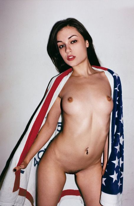 American nude women s picture
