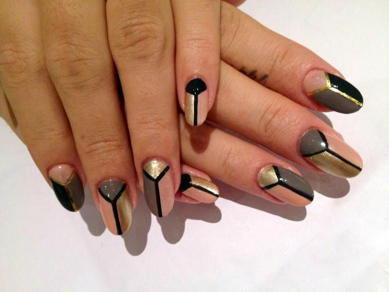 Hips Nail Design Ideas With Peace Motif Polish In 3 Color Block