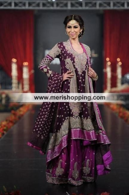 Dress created with pure banarsi shifon and silk materials. This dress is one of the most favorite type of Indian Dress available for weddings.