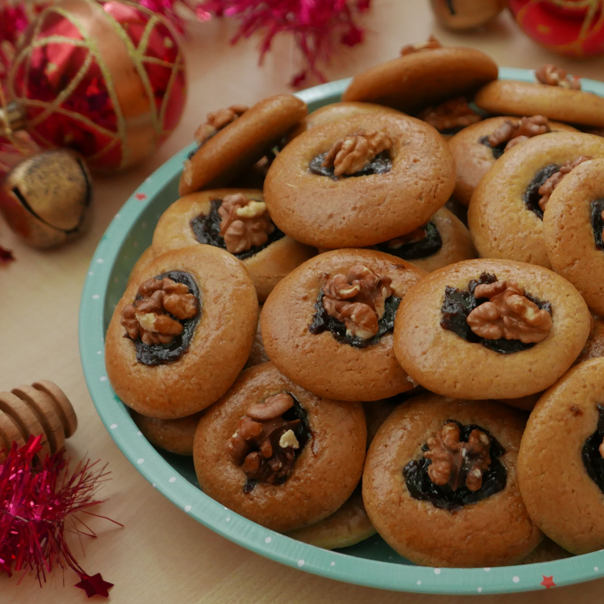 Traditional Slovak Gingerbread Cookies (Medovníky)