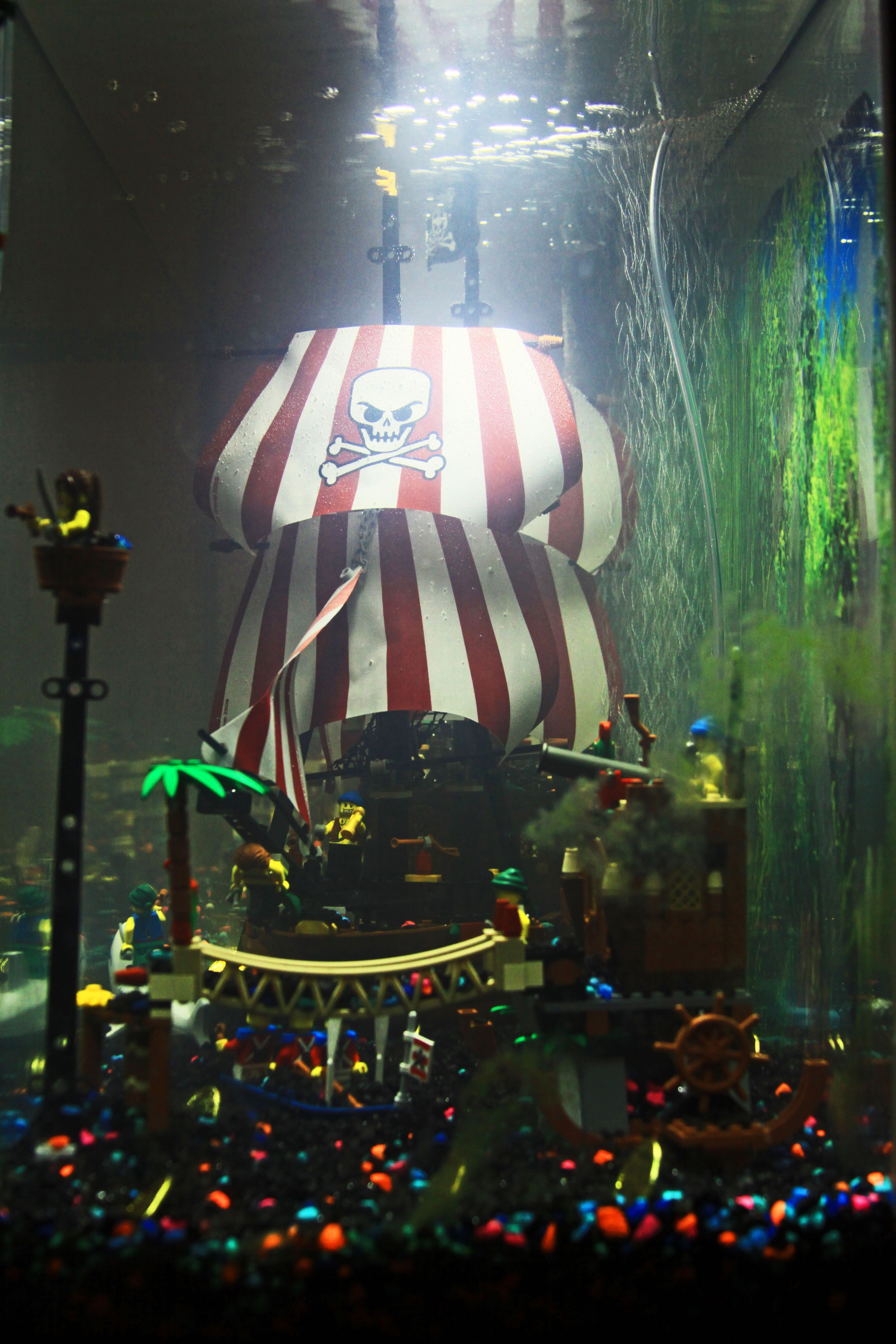 pirate lego fish tank home decor pinterest pirate. Black Bedroom Furniture Sets. Home Design Ideas
