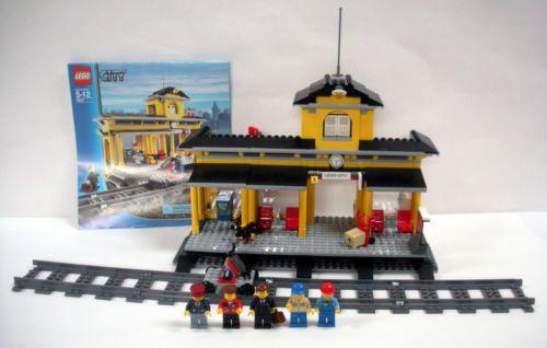 Lego City 7997 Train Station 5 Minifigures Tracks Complete Lego City Train Station Cool Lego