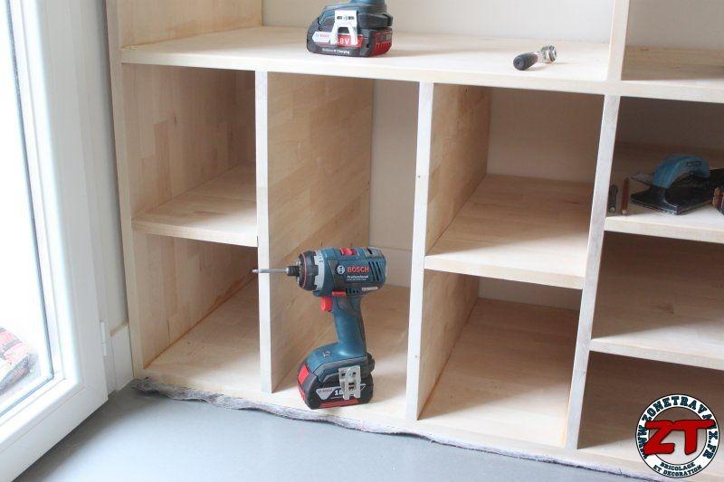 Fabrication en cours d\u0027un meuble d\u0027entrée avec assemblage de bois