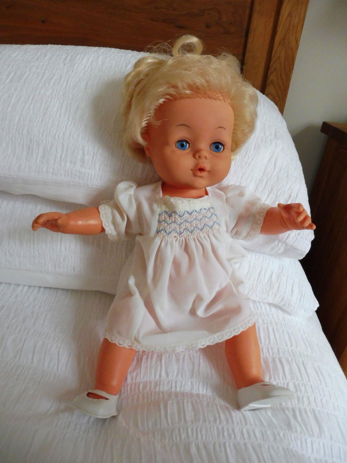 4036aa7264e4 1976 Palitoy Tiny Tears 16H doll - original dress