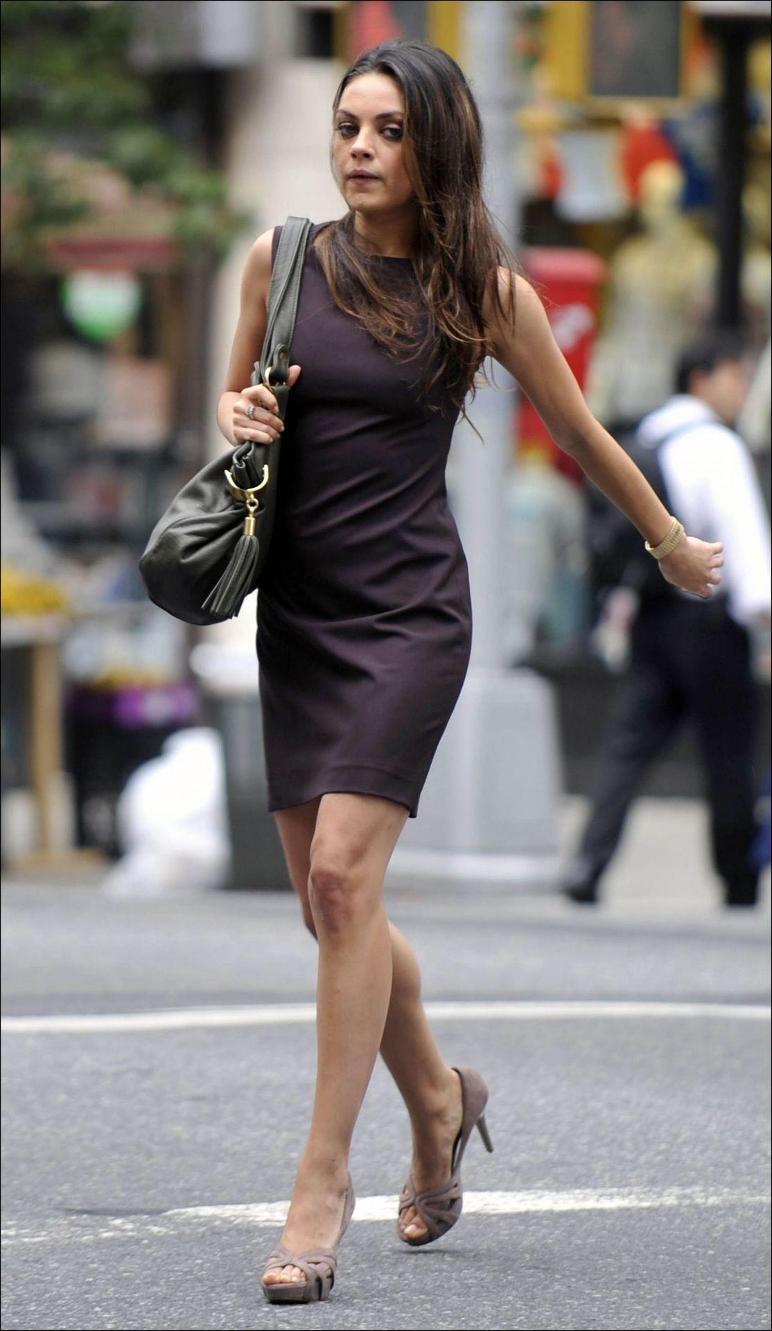 Mila Kunisstreet Style Celebrities Public Figures That I Love