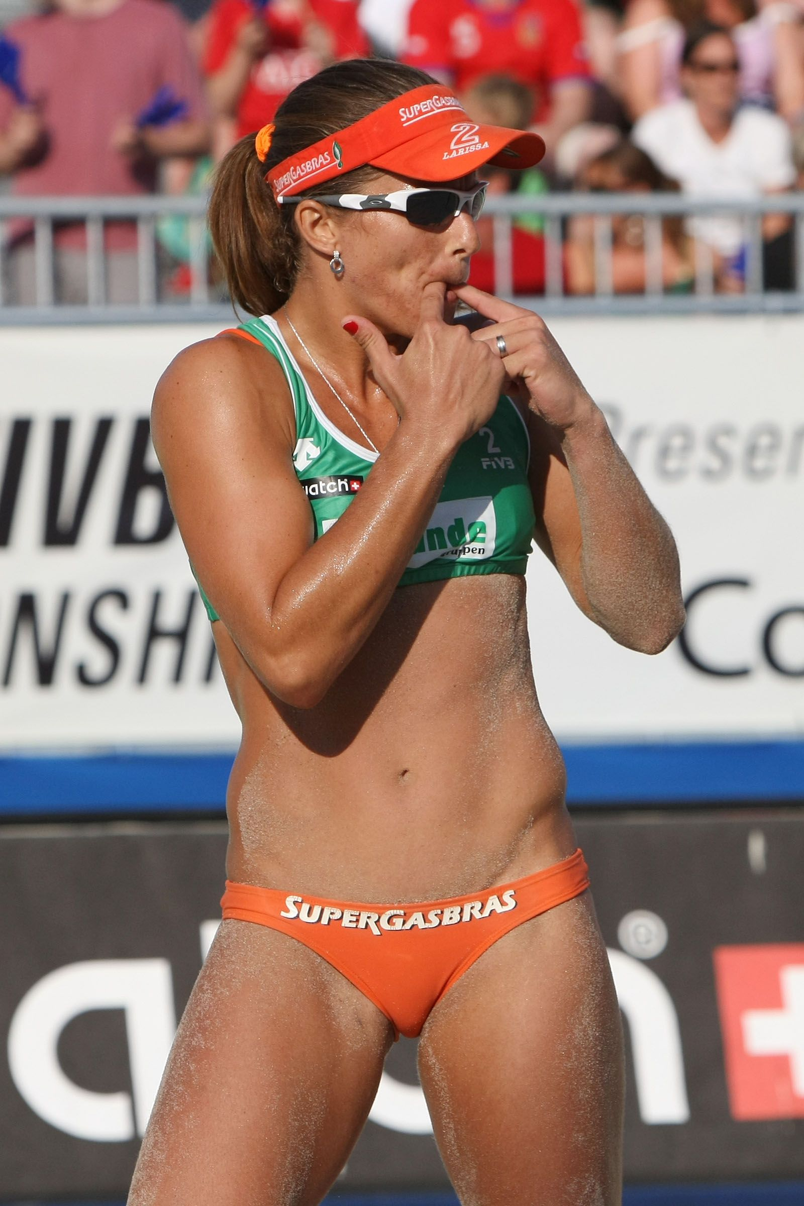 Pin By Colpopps On Ladies Beach Volleyball Beach Volleyball Volleyball Sports
