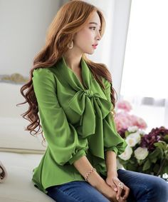 Chiffon puff sleeve bow blouse