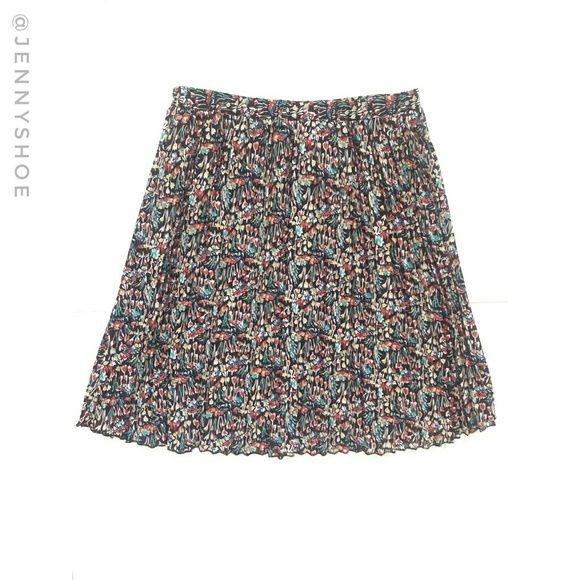 abd2a5b2d8 {anthropologie} 'tabitha' floral pleated skirt Beautiful pleated floral  skirt from anthropologie.