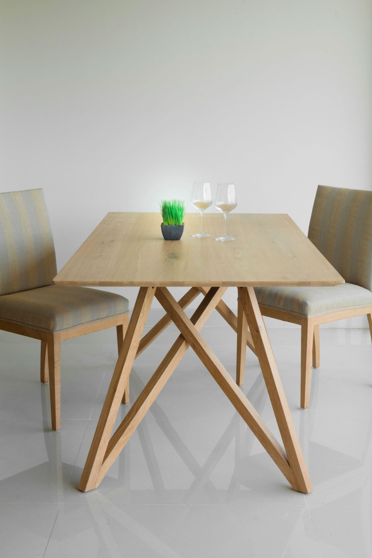 Table A Diner Cute Spider Chene Massif Delorm Bois Clair Avec Images Mobilier De Salon Scandinave Chene Massif Mobilier De Salon Contemporain