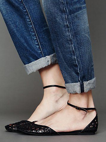 Lilianna Flat by JC. Free People. Black flats re-visited.