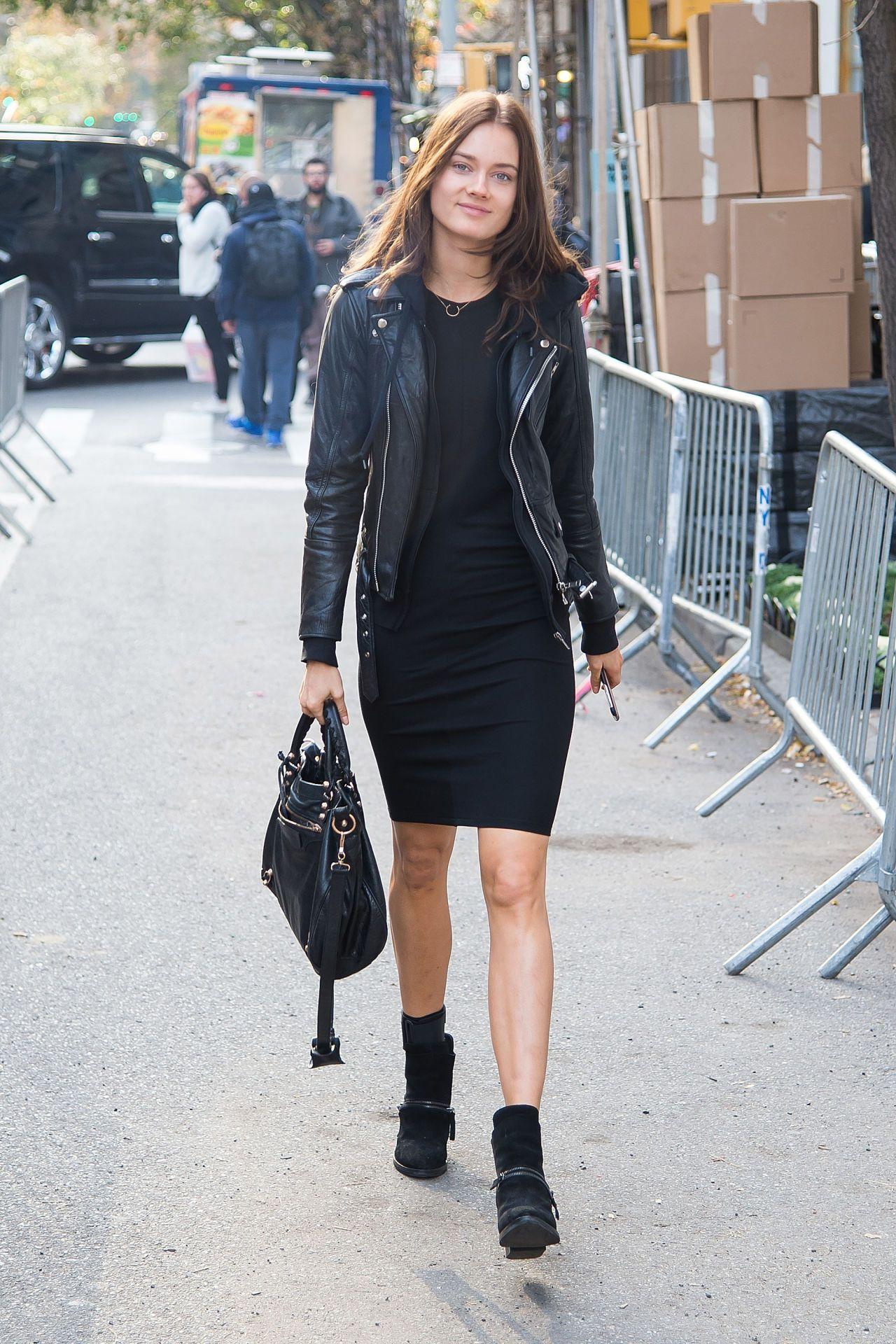 Kendall Jenner Victoria's Secret Fashion - Victoria's Secret Model Street Style