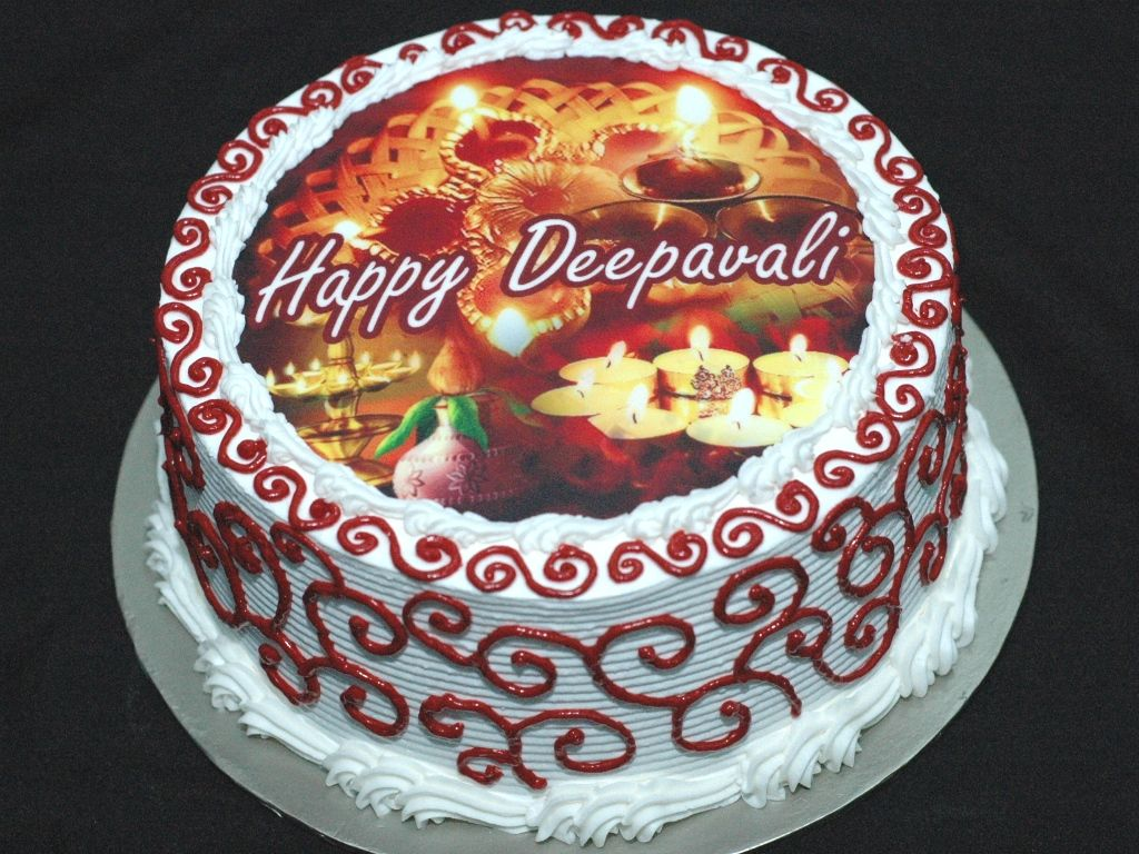 Send Diwali Cakes to Purhiran Birthday cake delivery