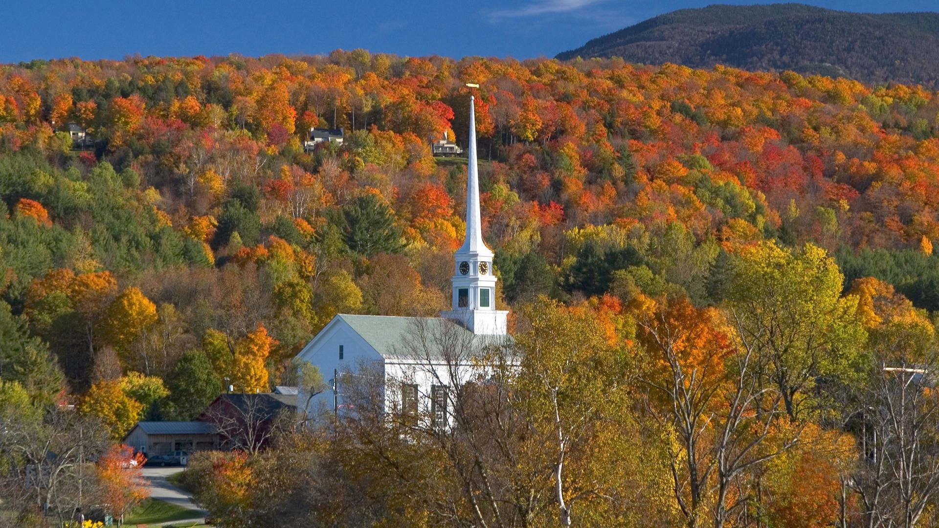 Vermont chapel | Stowe vermont, Fall foliage vermont, Travel images