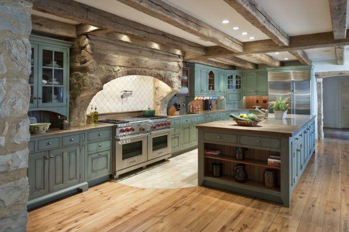 Relooker cuisine en bois armoires shabby chic en vert éclairage led mur en