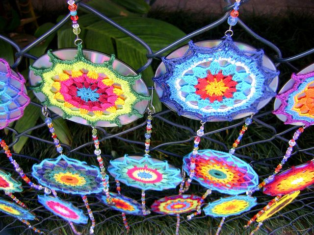 Crochet Mandala over recycled CD, via Flickr - LOVE these, have to try this for the lanai