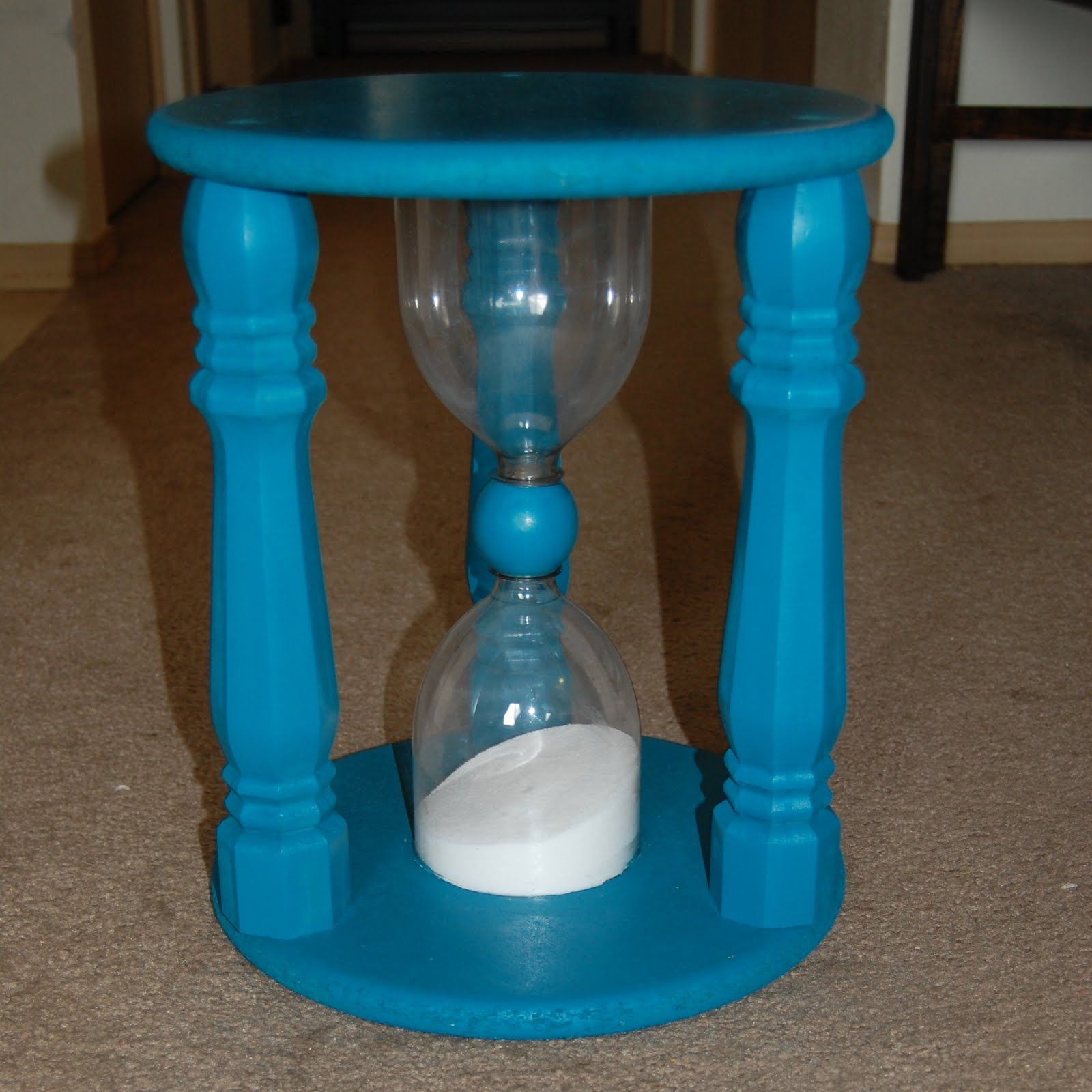 How to Make an Hourglass Clock Out of Light Bulbs How to Make an Hourglass Clock Out of Light Bulbs new pics