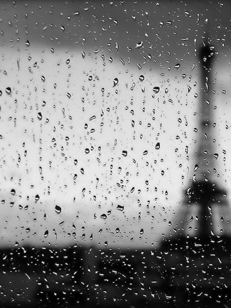 Paris Rain Amazing Eiffel Tower Unknown Source Raindrops On The Window Pane Droplets Winter Gloomy Beauty Vintag Rain Rain Photography Eiffel Tower