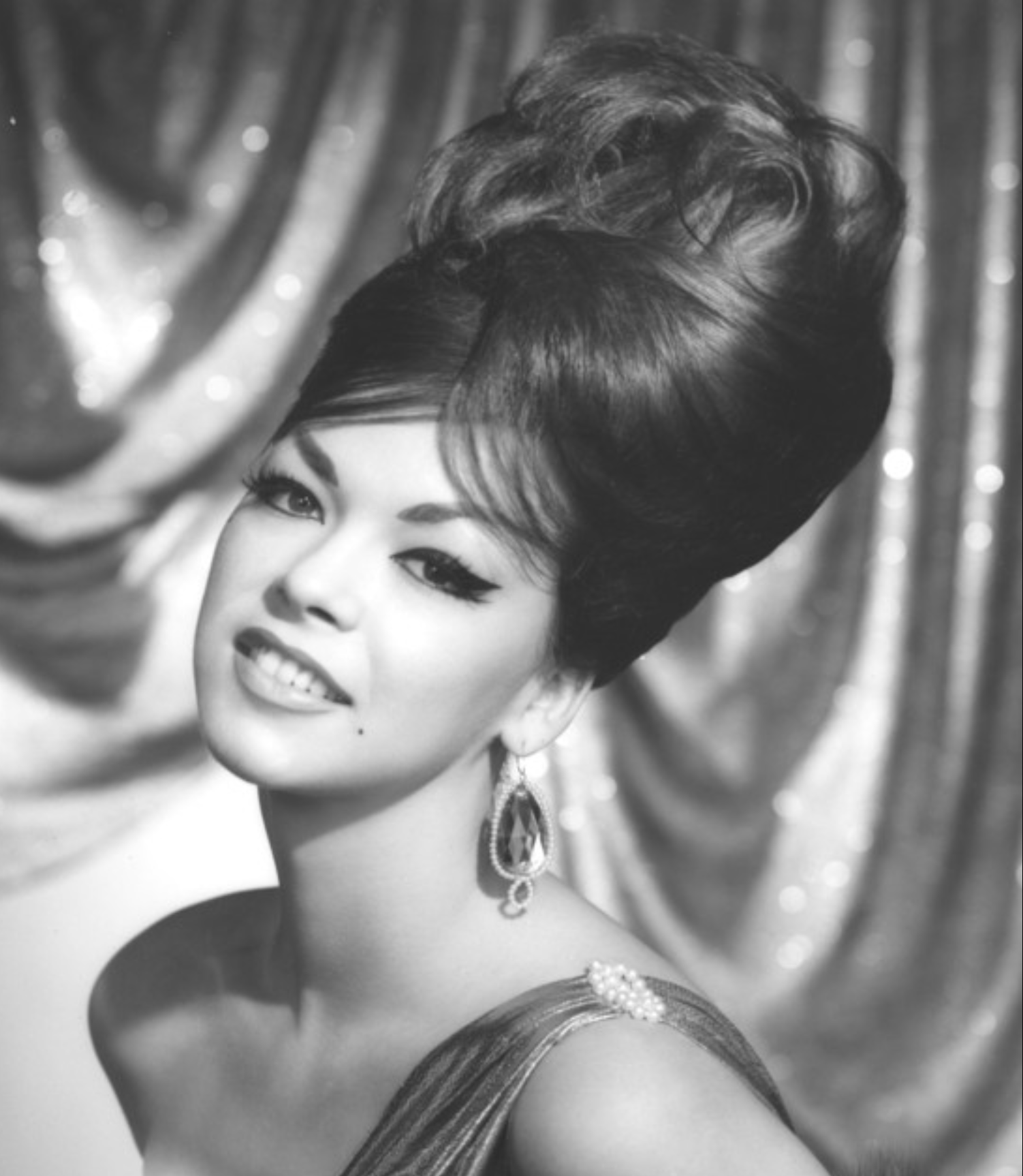 hair on pinterest big hair helmets and 1960s 1960s hairstyle hairstyle 1950s and 1960s pinterest