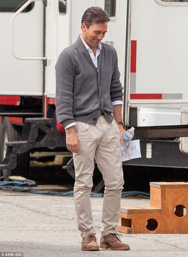Mad Mens Jon Hamm Seen On Set For The First Time Since -5289